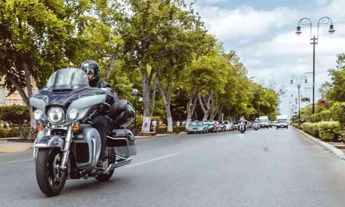 A temperatura das manoplas pode ser regulada na Ultra Limited(foto: Harley-Davidson/Divulgação)