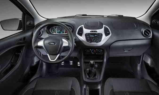No interior, pedaleira de alumínio e tapetes personalizados(foto: Ford/Divulgação)