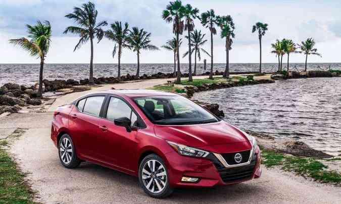 O novo Nissan Versa tem chegada prevista para novembro e deve chegar com bom nível de equipamentos(foto: Nissan/Divulgação)