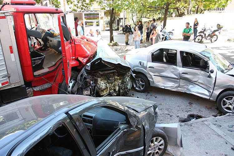Número de acidentes voltou a crescer no Brasil a partir de 2001, com 30,5 mil mortes -  Edesio Ferreira/EM/D.A Press