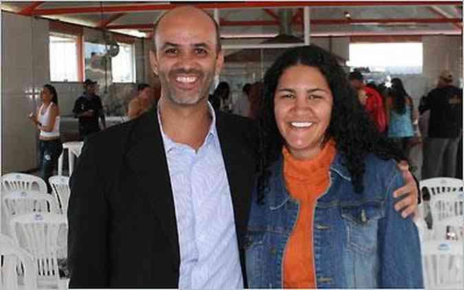 A diretora do Mega Space, Gisele Calixto e o professor Joyldson Gouvea