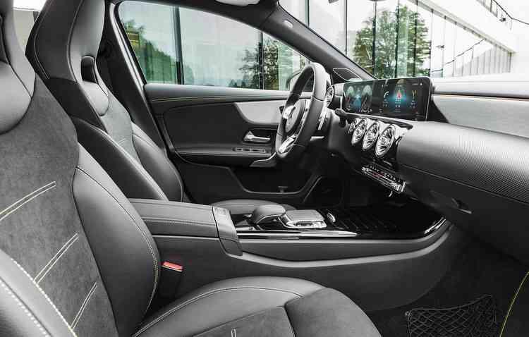 Montadora estreou três novos motores com o hatch - Mercedes-Benz / Divulgação