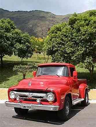 A F100 de Sérgio Guerra conserva o aspecto nostálgico dos anos 50, mas com fôlego bem atual(foto: Marlos Ney Vidal/EM)