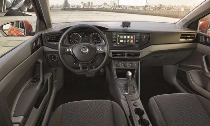 Os modelos saem de fábrica equipados com direção com assistência elétrica, ar-condicionado e vidros elétricos (foto: Volkswagen/Divulgação)