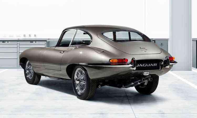 As laterais com formas arredondadas e a traseira alta e afilada revelam a inspiração em aviões a jato - Jaguar/Divulgação