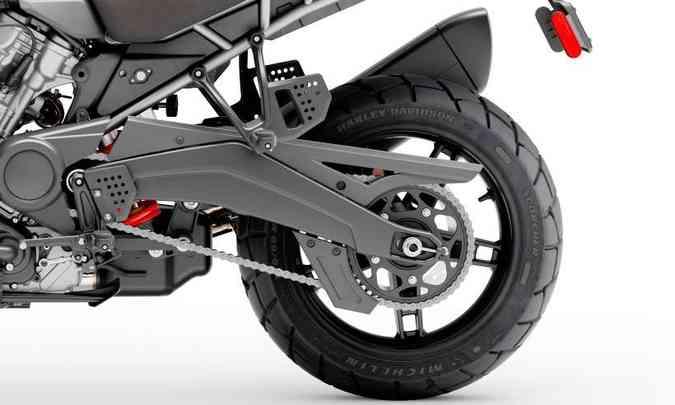 Na traseira, sistema de freios com disco de 280mm(foto: Harley-Davidson/Divulgação)
