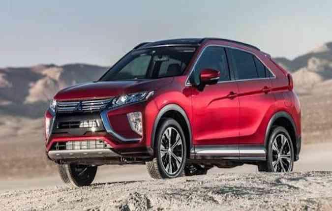 Silhueta nada conservadora com frontal identificado com o estilo global da Mitsubishi (foto: Divulgação)