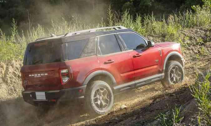 SUV tem 4,38 metros de comprimento e 2,67m de distância entre-eixos (foto: Ford/Divulgação)