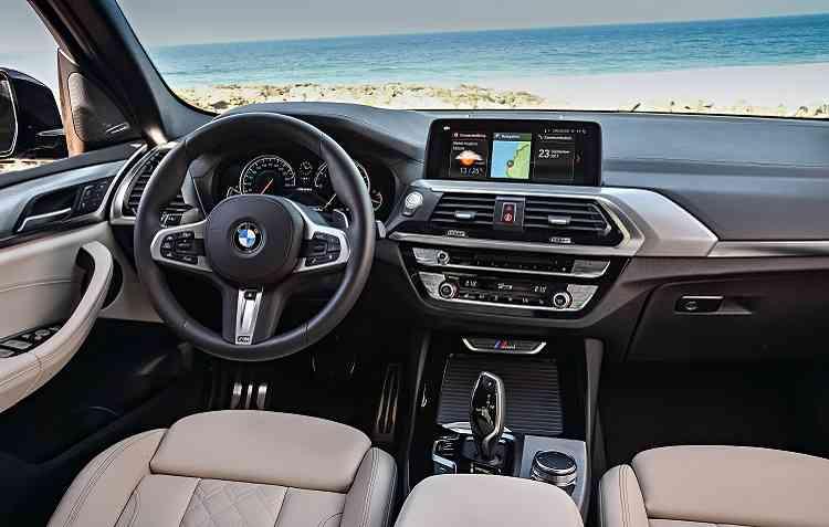 X3 conta com sistema de navegação Professional com botão seletor e tela de 10,25 polegadas, display multifuncional de 12,3%u201D. Foto: BMW / Divulgação -