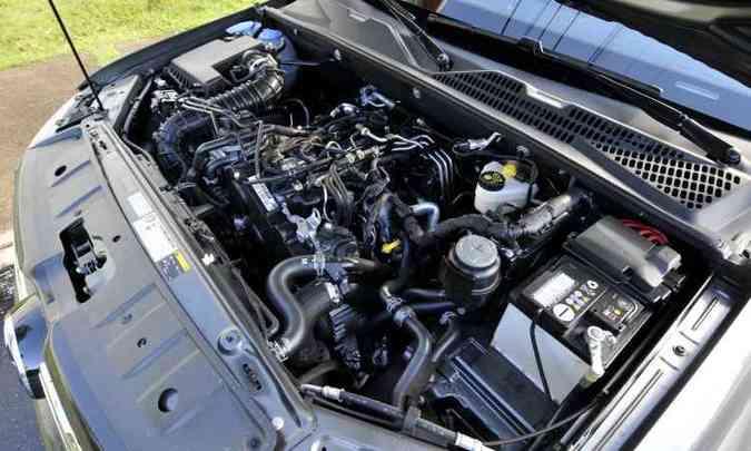 Motor 2.0 biturbo mostra entusiasmo em qualquer regime de rotação(foto: Juarez Rodrigues/EM/D.A Press)