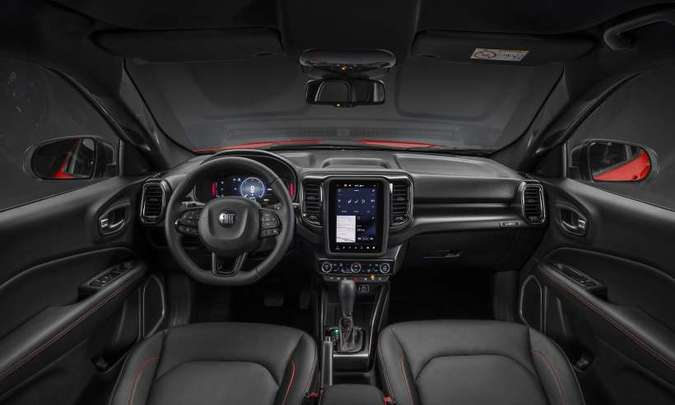 As versões de topo de linha trazem no painel sistema multimídia com tela tátil de 10,1 polegadas(foto: Fiat/Divulgação)