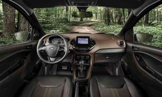 Interior tem acabamento em duas cores e central Multimídia Sync 3 com tela flutuante(foto: Ford/Divulgação)