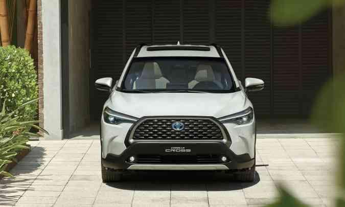 Em pouco mais de quatro meses foram vendidas mais de 10 mil unidades do Corolla Cross, e a Toyota comemora(foto: Toyota/Divulgação)