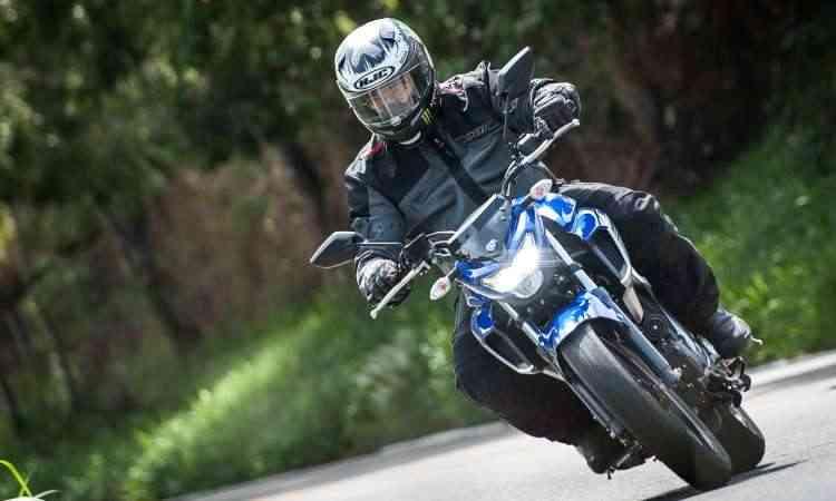 Suspensões mais rígidas e novo quadro garantem diversão nas curvas - Gustavo Epifânio/Yamaha/Divulgação