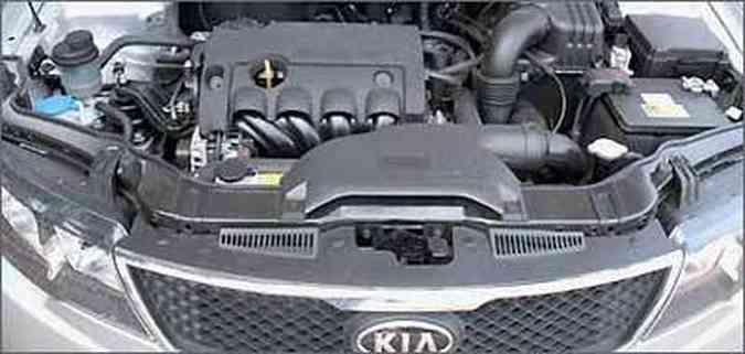 Motor 16V confere bom desempenho o sedã Cerato(foto: Marlos Ney Vidal/EM/D.A Press)