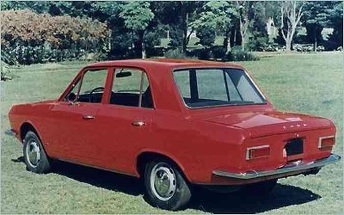 A primeira geração do Ford Corcel, de 1968, tinha carroceria quatro portas(foto: Arquivo/EM/DA PRESS)