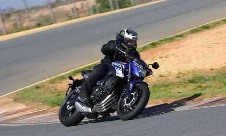 A Honda CB 650 F se diferencia pela ausência da carenagem, em seu estilo naked - Caio Mattos/Honda/Divulgação