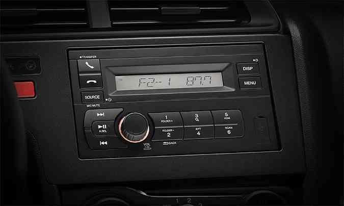 Sistema de som básico no Honda Fit DX(foto: Ricardo Hirae/Honda/Divulgação)