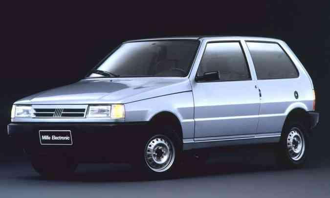 O preço sugerido do Fiat Uno Mille Electronic em 1994 era de R$ 7.254; esse valor corrigido pelo INPC é de R$ 66.882,61(foto: Fiat/Divulgação)