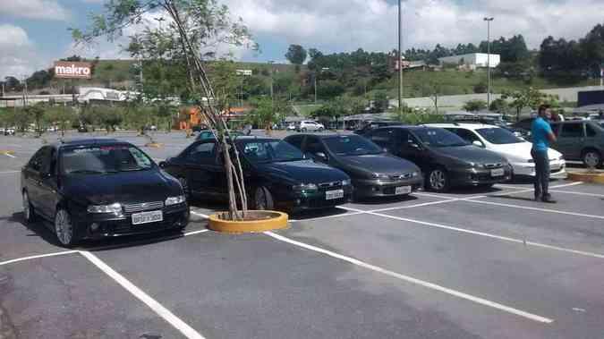 Encontro reúne proprietários e admiradores do Fiat MareaClube do Marea TOP/Divulgação