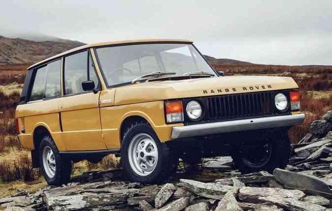 Modelo dos anos 70 ganha cor original Bahama Gold(foto: Ranger Rover/Divulgação)