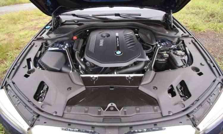 Fonte de diversão. motor 3.0 biturbo gera 340cv de potência e 45,9kgfm de torque - Edésio Ferreira/EM/D.A Press