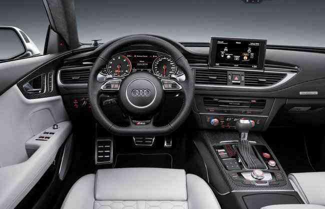 O interior mistura requinte e esportividade - Audi/divulgação