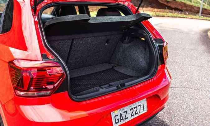 Porta-malas tem volume de 300 litros(foto: Jorge Lopes/EM/D.A Press)