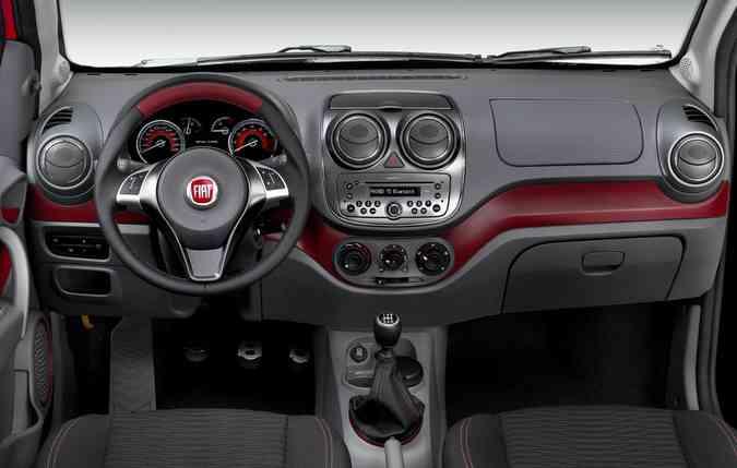 Modelos podem ser encontrados com vidros e travas elétricas, freios ABS e airbag. FOTO: Fiat / Divulgação (foto: Modelos podem ser encontrados com vidros e travas elétricas, freios ABS e airbag. FOTO: Fiat / Divulgação )