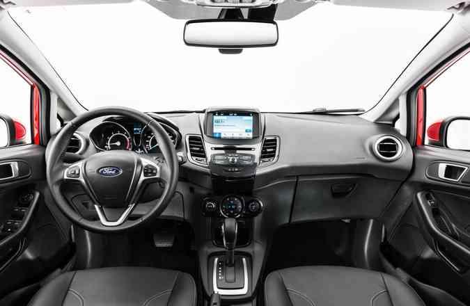 Na cabine, destaca-se o display touchscreen de 6,5 polegadas da central multimídia(foto: Ford/Divulgação)