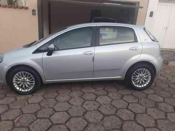 Fiat Punto Essence Sp 1.6 Flex 16v 5p 2014 R$ 37.000,00 MG VRUM
