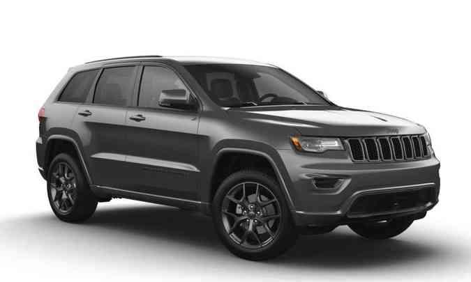 A Grand Cherokee Série Especial 80 anos é baseada na versão Limited e tem preço de R$ 496.990(foto: Jeep/Divulgação)