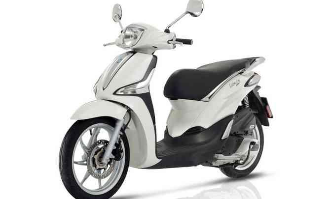 Liberty 150: roda dianteira aro 16 polegadas e motor com arrefecimento a ar(foto: Piaggio/Divulgação)