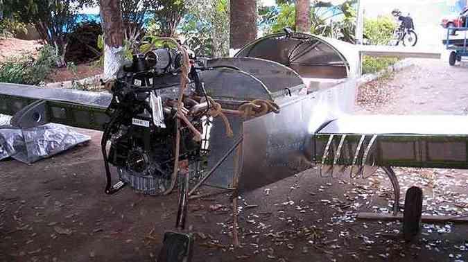 O avião chegou a ter motor de Santana, substituído por um Rotax(foto: Ronaldo Santiago Silveira/Arquivo Pessoal)