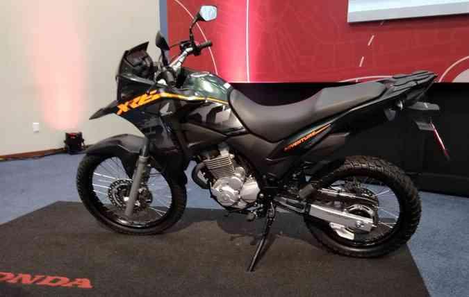 Todas as versões da XRE 300 contam com freios ABS. FOTO: Débora Eloy / DP (foto: Todas as versões da XRE 300 contam com freios ABS. FOTO: Débora Eloy / DP )
