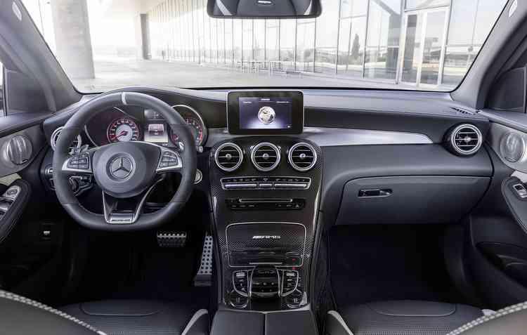 Esportivo conta com a comodidade de um utilitário. Foto: Mercedes-Benz / Divulgação -