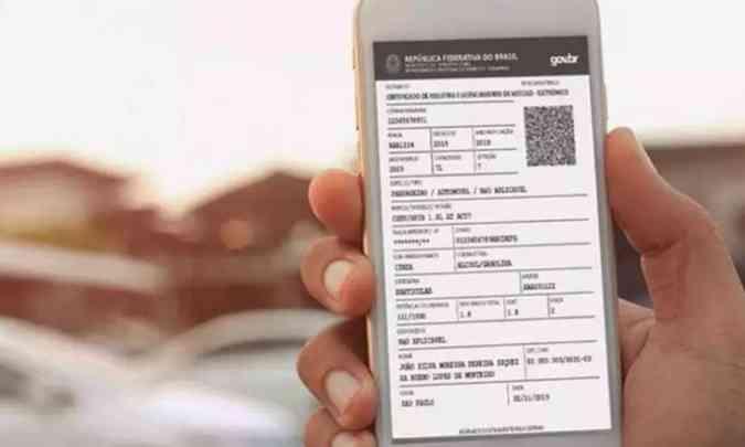 Depois de pagar o IPVA e a taxa de licenciamento, o proprietário do carro pode baixar o documento no celular(foto: Governo Federal/Divulgação)