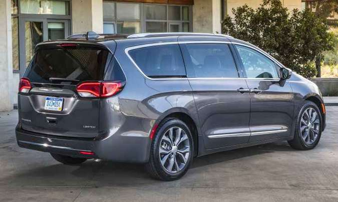 Design segue nova filosofia de estilo da Chrysler, de linhas fluídas(foto: Chrysler/Divulgação)
