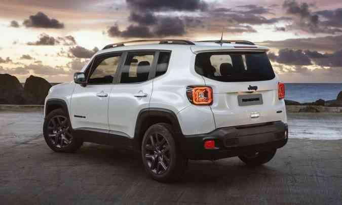 O SUV compacto traz rodas de liga leve de 18 polegadas e será vendido por R$ 123.490, com motor flex(foto: Jeep/Divulgação)