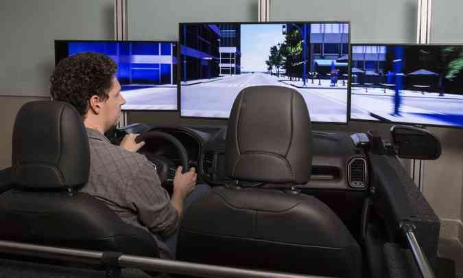 Simulador do Laboratório de UX(foto: Léo Lara/Fiat/Divulgação)