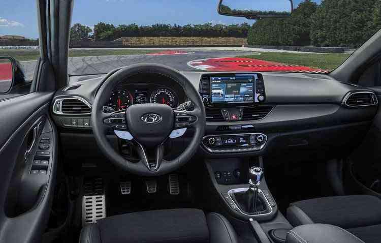 Entre os itens de segurança estão frenagem autônoma de segurança, alerta de atenção ao motorista, controlador de velocidade inteligente, entre outros  - Hyundai / Divulgação