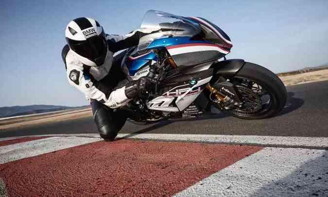 O modelo conta com controle de tração ajustável em 15 níveis(foto: BMW/Divulgação)