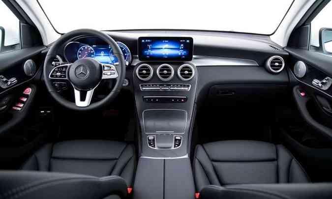Com acabamento interno luxuoso, o SUV tem todos os comando à mão do motorista(foto: Estúdio Malagrine/Mercedes-Benz/Divulgação)