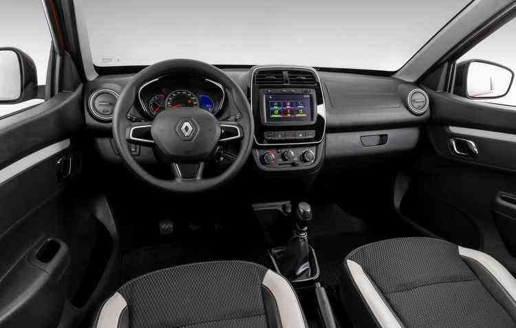 Central multimídia está presente na versão topo, a Intense - Renault / Divulgação