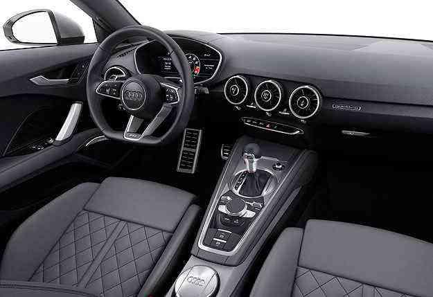 Interior mais limpo e volante com base achatada: 'Less is more' - Audi/Divulgação