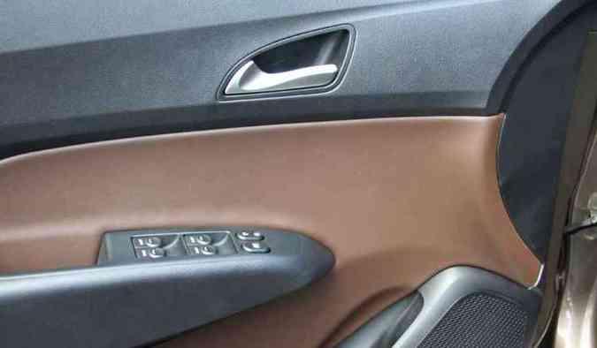 Forração em tons diferentes dita o ritmo da moda automotiva(foto: Marlos Ney Vidal/EM/D.A Press)