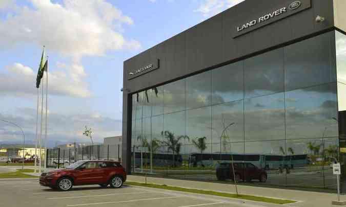 Fachada da fábrica da Jaguar Land Rover em Itatiaia (RJ)(foto: Jaguar Land Rover/Divulgação)