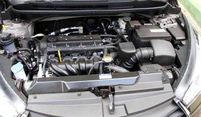 Motor ruidoso em alta proporciona bom desempenho(foto: Marlos Ney Vidal/EM/D.A Press)