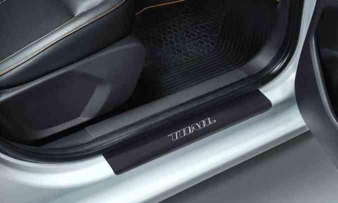 A soleira de porta também leva o nome da versão(foto: Ford/Divulgação)