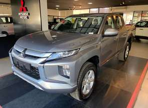 Mitsubishi L200 Triton Sport Gls Outdoor At 2.4 Diesel em Montes Claros, MG valor de R$ 237.990,00 no Vrum